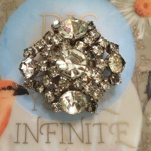VTG Silver Tone Metal Rhinestone Brooch